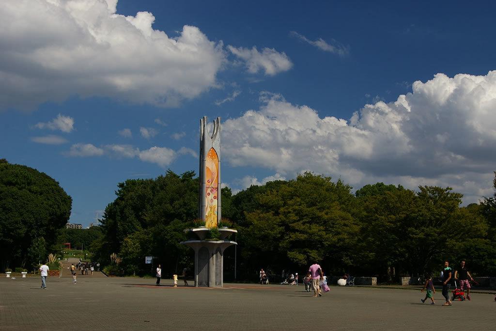 緑地西中央広場.jpg